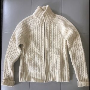 🍁 Gap 100% lambs wool sweater. Size Med